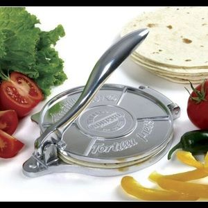 "NWT NORPRO deluxe 6"" tortilla press"
